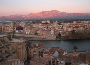 Tortosa, the river and the mountains